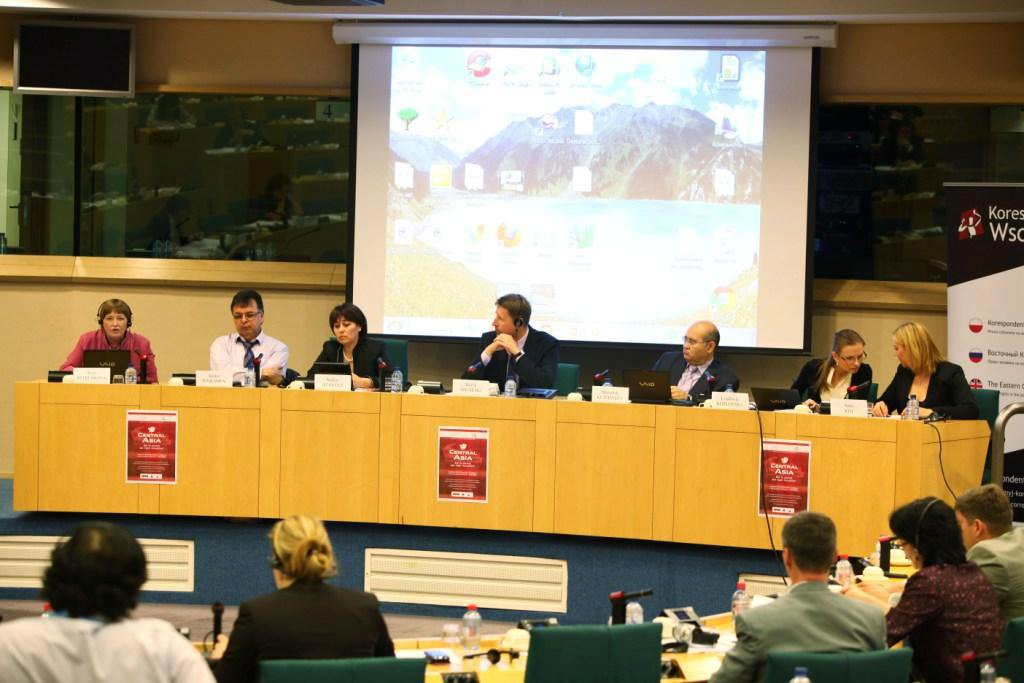 Ilkhamov and Atayeva (second from left and third) at a conference on corruption in Central Asian in the European parliament in June 2011; photo: Alisher Ilkhamov's Facebook page